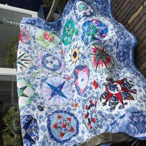 Stofpakket Klaskes Sintsjes quilt in blauw, stof met patroon